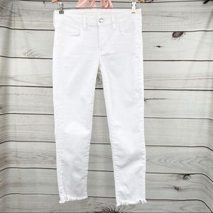 AMERICAN EAGLE OUTFITTERS White Jegging Crop Jeans